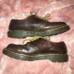 Dr martens brown leather shoes size uk 6 USA 8